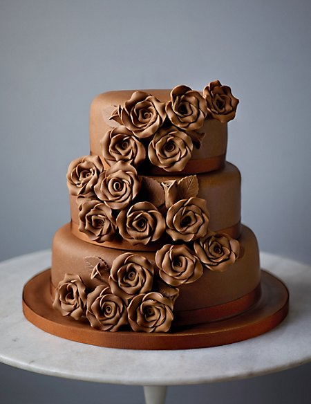 Classic Rose Sponge Wedding Cake