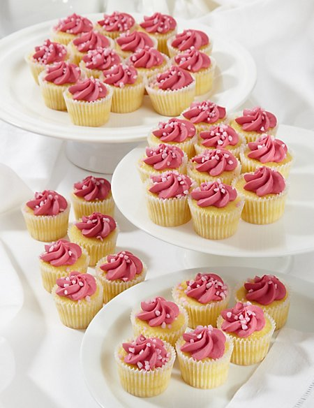 36 Mini Strawberry Cupcakes