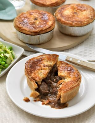 Steak, Stout & Peppercorn Pie | M&S