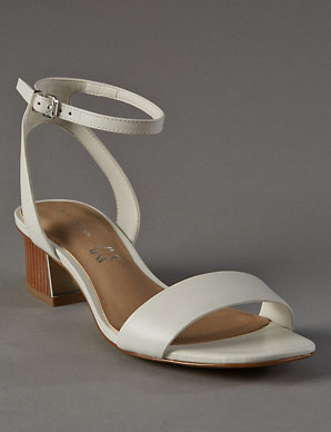 325ac6c0c Leather Sandals with Insolia®