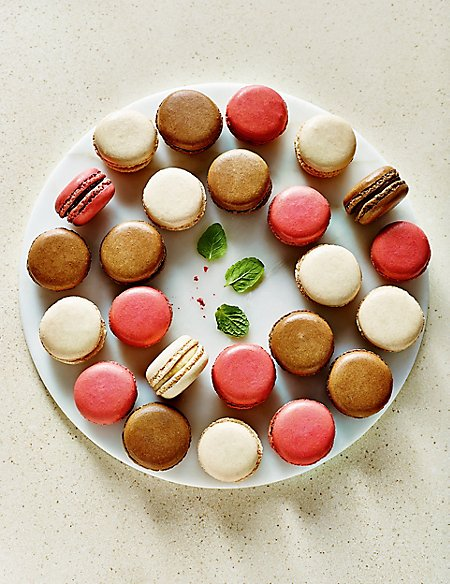 Classic Macaroons (24 Pieces)