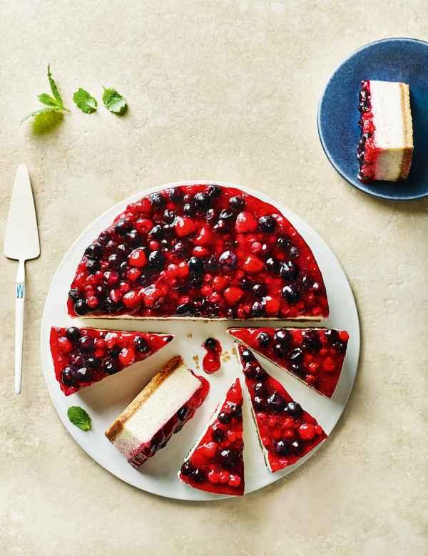 Very Berry Cheesecake Serves 14