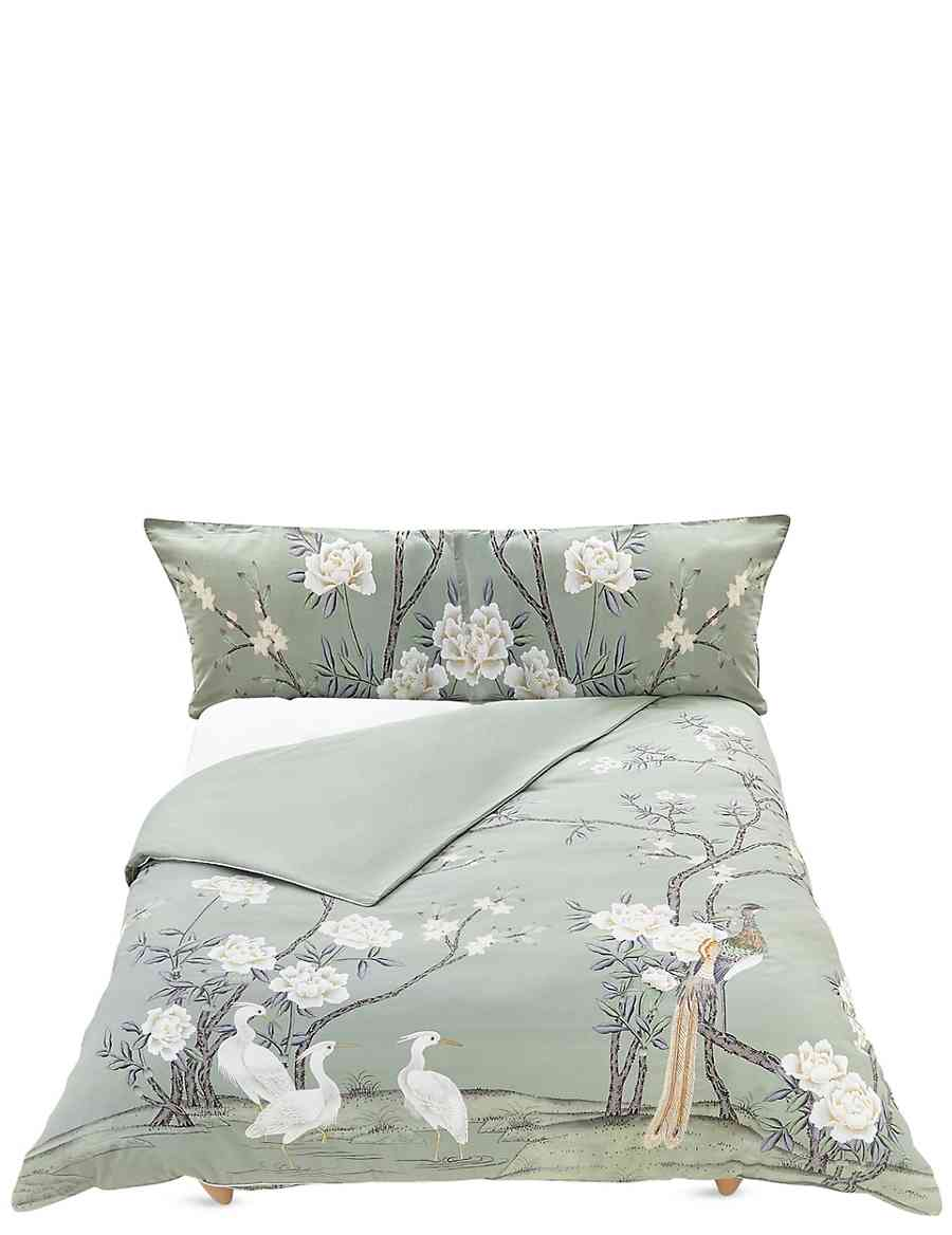 9787f8929632 Ophelia Bedding Set