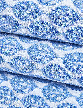 Lightweight Leaf Print Towel