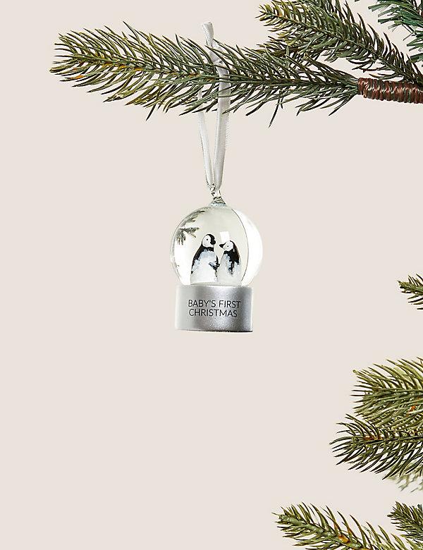 Μπάλα με χιονονιφάδες για τα πρώτα Χριστούγεννα του μωρού