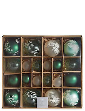 20 Green Mix Decorative Glass Baubles