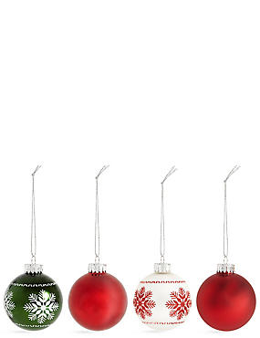 Set of 12 Luxury Glass Winterberry Baubles
