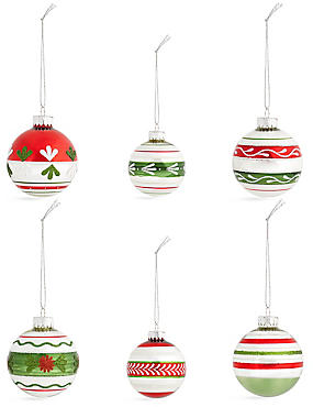 Set of 12 Luxury Winterberry Glass Baubles