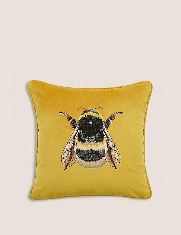 Sametový vyšívaný polštářek smotivem včely