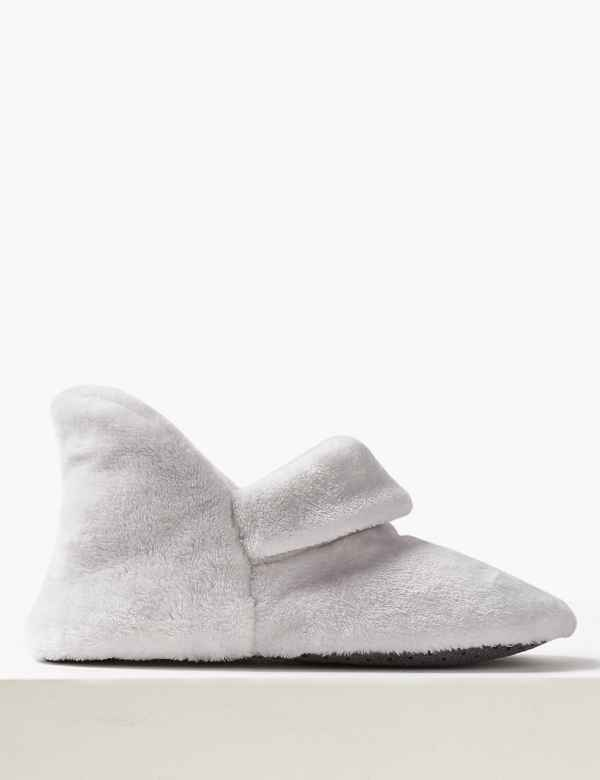 cc9be4861848 Turned Down Slipper Boots