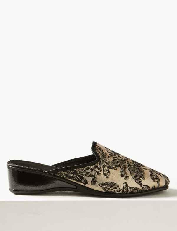 c5295c372af4 Wedge Heel Floral Print Mule Slippers