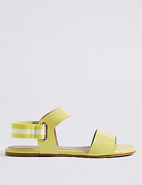 Elastic Ring Detail Sandals