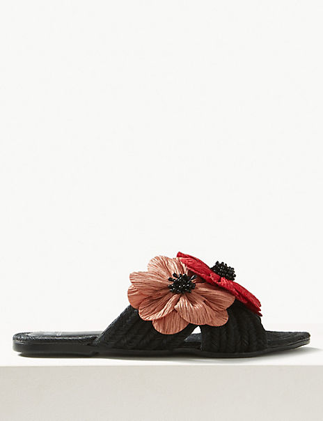 Weave Flower Mule Sandals