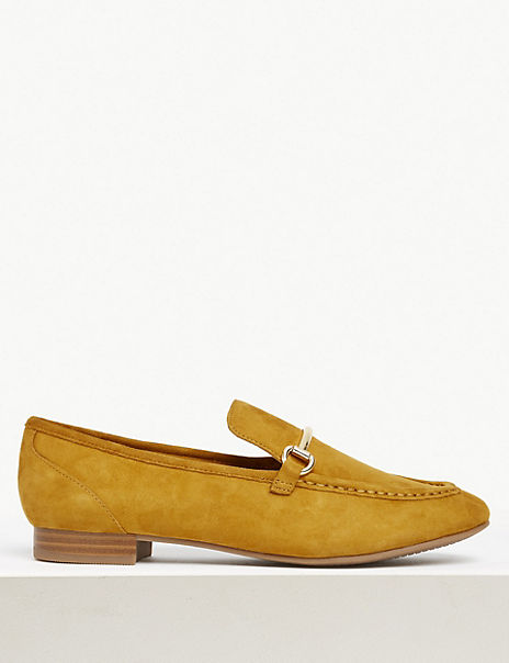 Suede Bar Trim Loafers