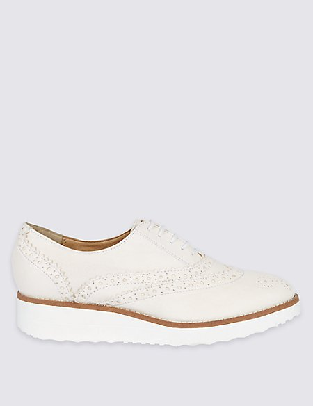 Leather Brogue Shoes with Insolia Flex®