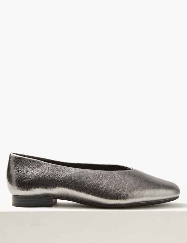 6db96620ead3 Leather High Cut Ballerina Pumps