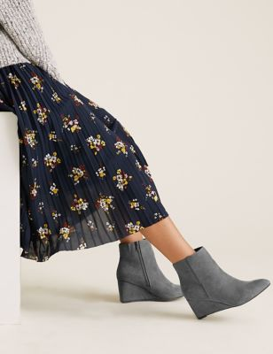 Wide Fit Wedge Pointed Ankle Boots