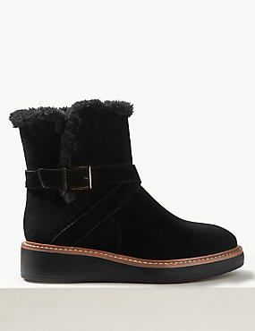 Suede Flatform Strap Ankle Boots