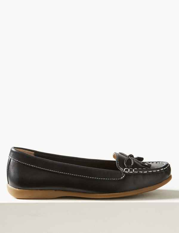 d67c650eb5c5 Leather Bow Boat Shoes