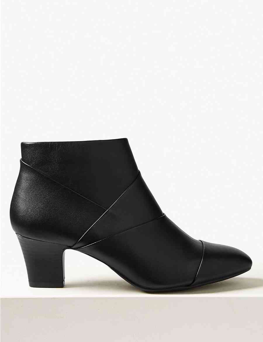 Leder Square Stiefel Toe Ankle Stiefel Square   Footglove™   M&S 2923e6