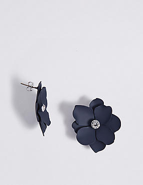 Soft Flower Stud Earrings
