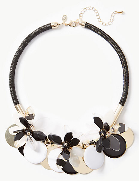 Flower Disc Necklace