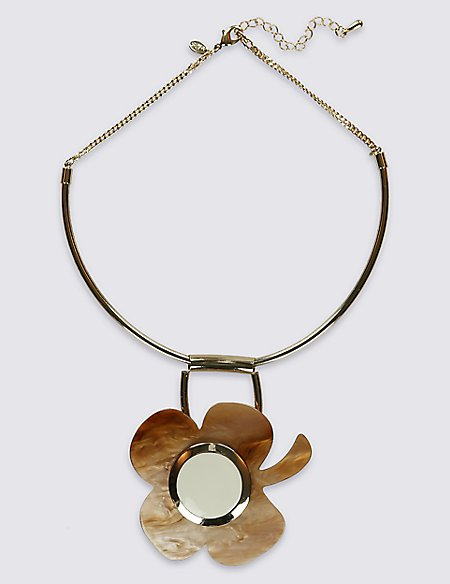 Arty Flower Resin Torque Necklace