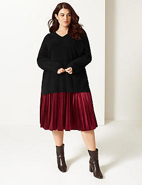 CURVE Textured V-Neck Jumper