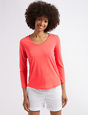 Relaxed Scoop Neck T-Shirt