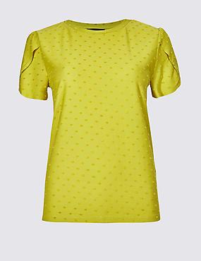 Textured Spot Short Sleeve T-Shirt