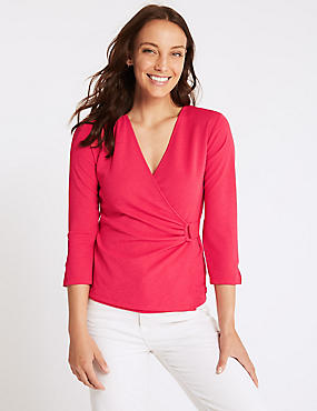 Textured V-Neck 3/4 Sleeve Top