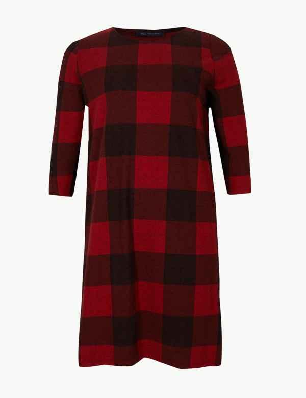 Red Dresses  3999adfe8