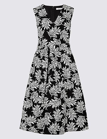 Textured Leaf V-Neck Prom Dress
