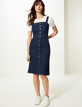 3cef54a41035 Přiléhavé džínové midi šaty s nbsp ozdobnými knoflíky