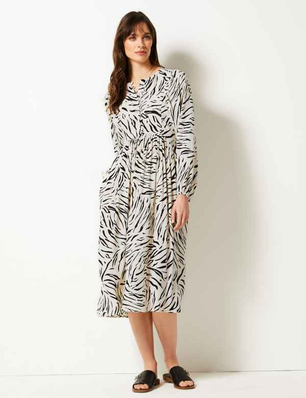 4c09cea5626 Animal Print Relaxed Midi Dress