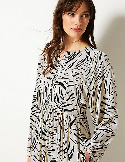 ae220b909a2 Animal Print Long Sleeve Relaxed Midi Dress