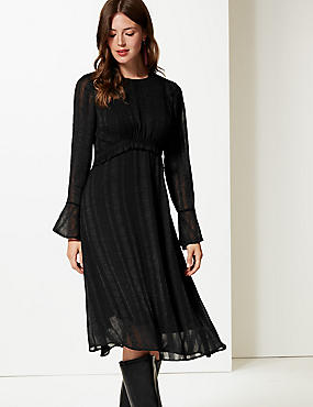 Textured Long Sleeve Shift Midi Dress