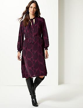 Jacquard Print Long Sleeve Shift Midi Dress