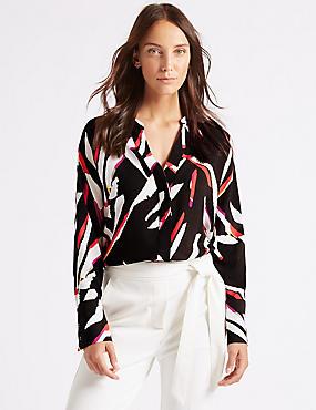 Printed Dipped Hem V-Neck Long Sleeve Shirt