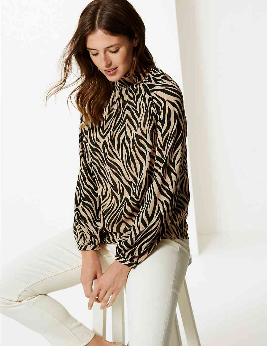 6d8d1e1fbb608 Animal Print High Neck Long Sleeve Blouse