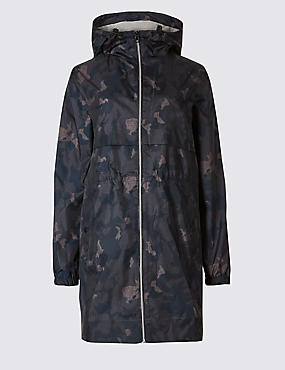 Shower Resistant Camo Pack-Away Mac
