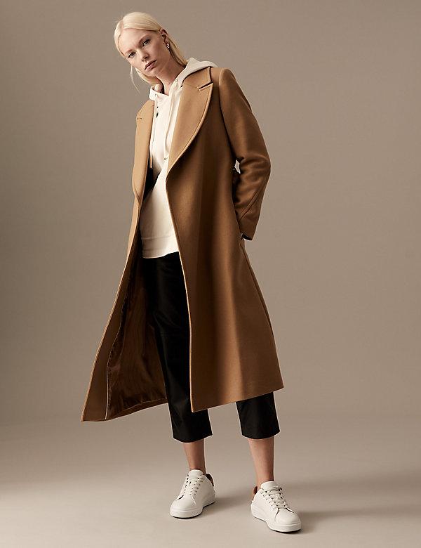 Μάλλινο μακρύ παλτό με ζώνη