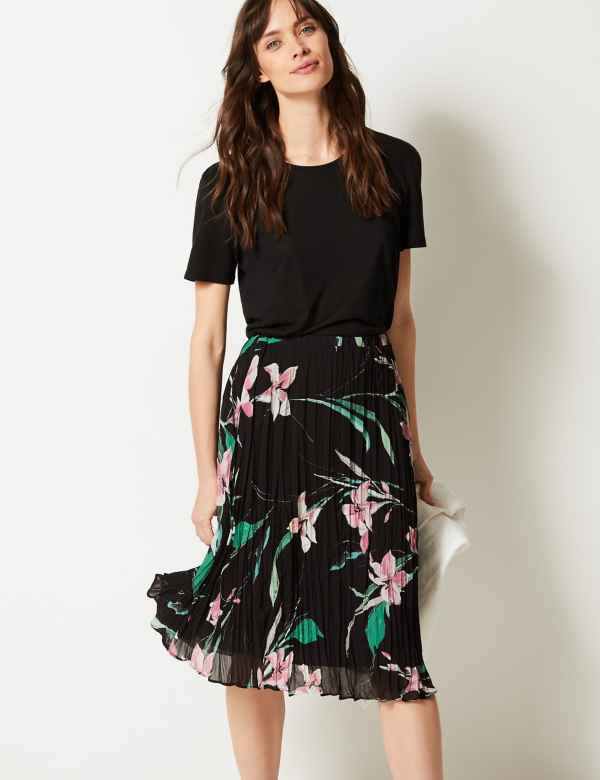 23ca99548e2 Floral Print Fit   Flare Skirt