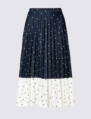 Navy and white spotted skirt