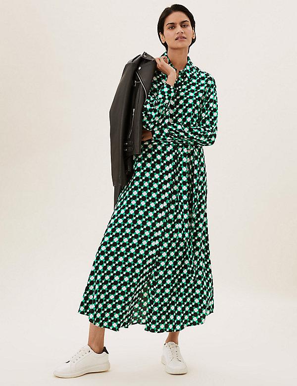 Μίντι-μάξι φόρεμα-πουκάμισο που δένει μπροστά με γεωμετρικό print