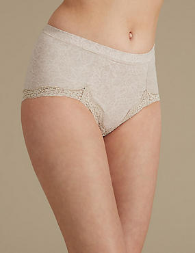 Vintage Lace Cotton Rich Light Control Full Brief Knickers