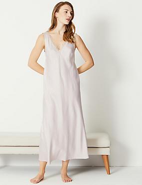 c5590733b96ed Chemise de nuit de mariée coupe longue en satin à bordures en dentelle