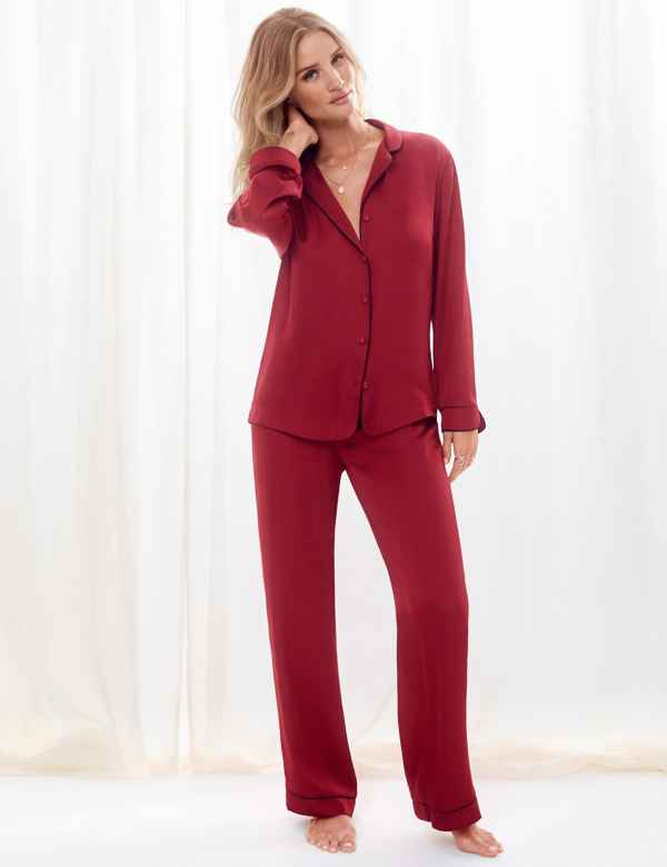 biggest selection colours and striking attractivedesigns Womens Pyjama Sets   Silk & Satin PJ Sets   M&S