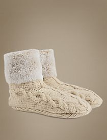 Fleece Cable Knit Short Booties