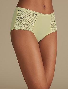 Cotton Rich Vintage Lace High Rise Shorts
